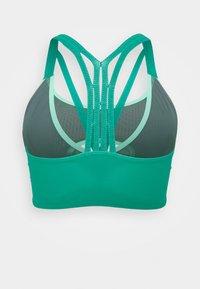 Nike Performance - INDY BRA - Sujetadores deportivos con sujeción ligera - neptune green/hasta/green glow - 1