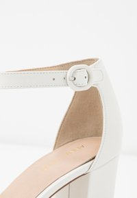 Anna Field - LEATHER CLASSIC HEELS - Escarpins - white - 2