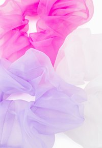 Lindex - HAIR SCRUNCHIE 3 PACK - Hair styling accessory - white - 1
