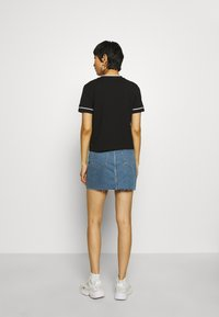 Calvin Klein Jeans - EMBROIDERY TIPPING TEE - Print T-shirt - black - 2
