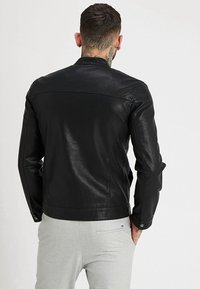 Only & Sons - ONSMIKE RACER JACKET - Giacca in similpelle - black - 2