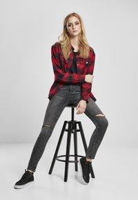 Urban Classics - Button-down blouse - darkblue/red - 4