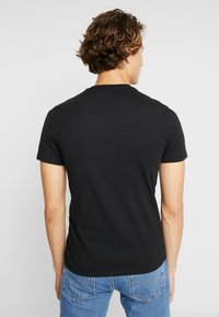 Levi's® - SLIM CREWNECK 2 PACK - T-shirt basic - black - 3