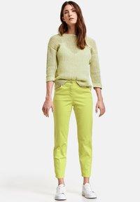 Gerry Weber - Slim fit jeans - lime - 1