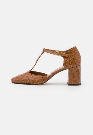 VENATI - Classic heels - cognac