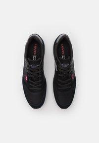 Levi's® - OATS - Sneakers laag - regular black - 3