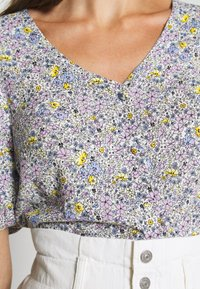 Levi's® - HOLLY BLOUSE GARDEN DITZY - Bluser - monrovia lavender / frost - 4