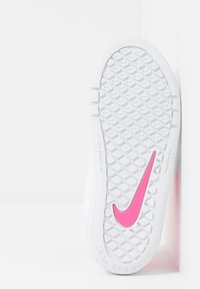 Nike Performance - PICO 5 UNISEX - Sports shoes - white/pink blast - 5