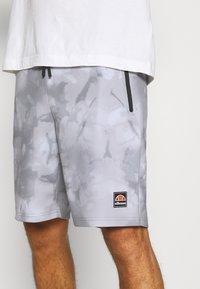 Ellesse - ALVESO SHORT - Sports shorts - grey - 3