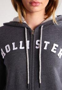 Hollister Co. - CORE - Zip-up hoodie - dark grey - 3