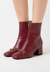 Högl - Classic ankle boots - cherry - 0