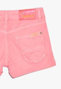 Vingino - DELIA - Denim shorts - neon pink - 4