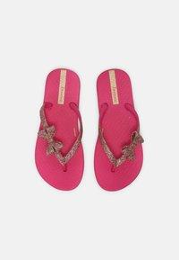 Ipanema - ANT KIDS - Sandály s odděleným palcem - pink - 3
