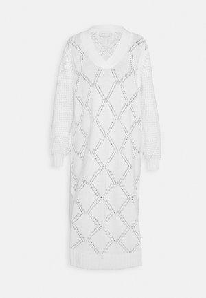 FOSSVEIEN DRESS - Strikkjoler - ecru