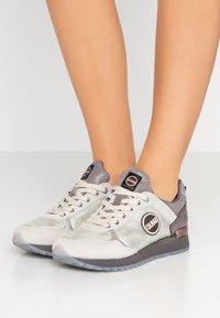 Colmar Originals - TRAVIS JANE - Sneakers - white/gray - 0