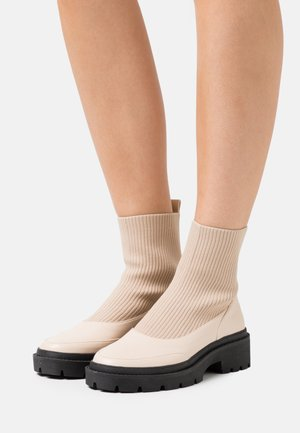 CHELSEA BOOT - Classic ankle boots - beige