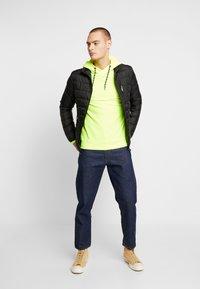 TOM TAILOR DENIM - LIGHTWEIGHT PADDED JACKET - Winter jacket - black - 1