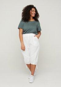 Zizzi - Shorts - white - 0