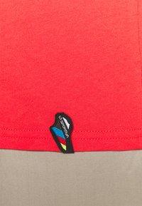 La Sportiva - ALAKAY  - T-shirt con stampa - hibiscus - 5