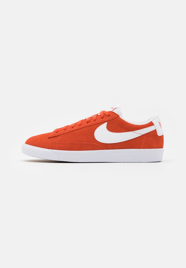 BLAZER UNISEX - Sneakers laag - mantra orange/white