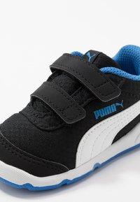 Puma - STEPFLEEX 2 UNISEX - Zapatillas de entrenamiento - black/white/palace blue - 2