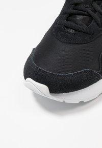 Nike Sportswear - DELFINE - Joggesko - black/white - 2