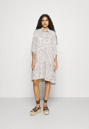 FIJI DRESS - Vapaa-ajan mekko - bright white