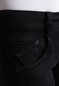 Herrlicher - GILA SLIM - Slim fit jeans - tempest - 4