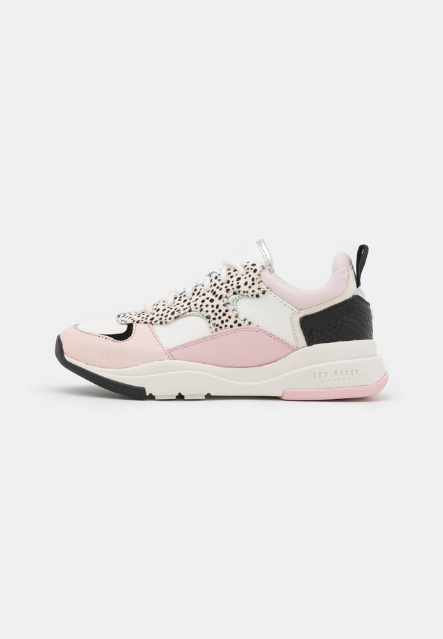 IZSLA - Trainers - white/pink