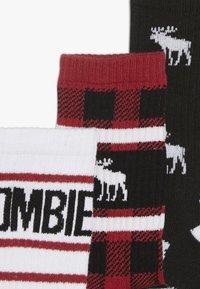 Abercrombie & Fitch - XMAS  3 PACK - Ponožky - multicoloured - 4