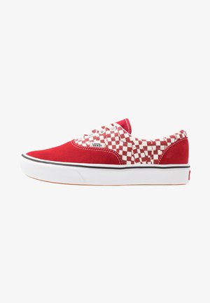 COMFYCUSH ERA UNISEX - Trainers - racing red/true white