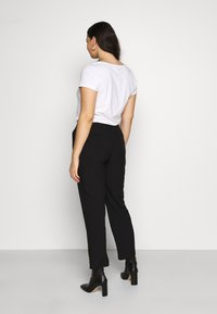 CAPSULE by Simply Be - ESSENTIAL STRAIGHT LEG - Trousers - black - 2