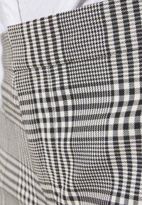 Lauren Ralph Lauren - SUITING PANT - Trousers - black/white - 5