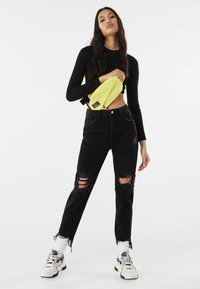 Bershka - Relaxed fit jeans - black - 1
