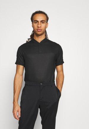 TIGER WOODS BLADE - T-shirt z nadrukiem - black/dark smoke grey