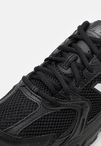 New Balance - MR530 - Sneakers basse - black - 7