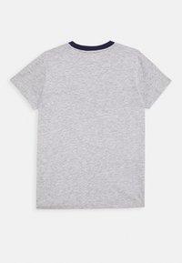 Guess - JUNIOR - T-shirt imprimé - deck blue - 1