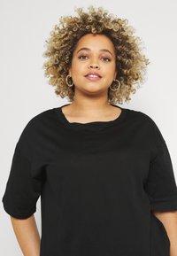 Even&Odd Curvy - T-shirt basic - black - 3