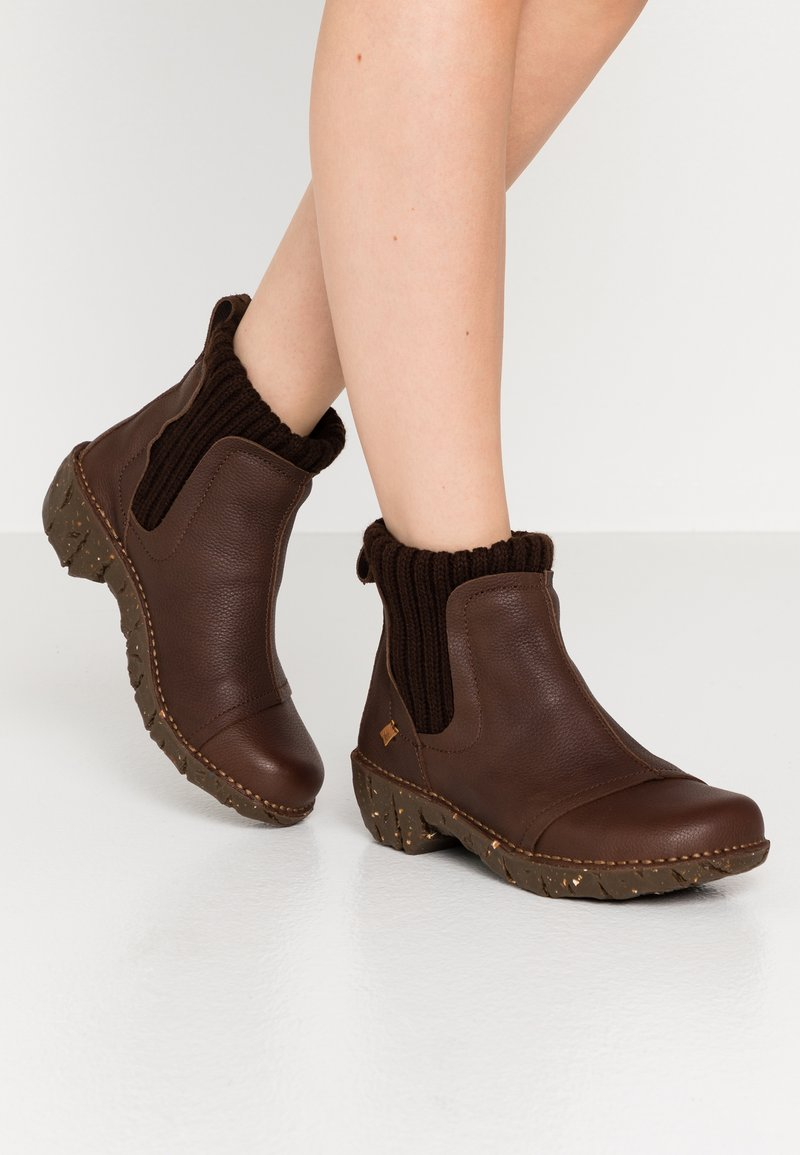 El Naturalista - YGGDRASIL - Classic ankle boots - soft grain brown