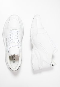 Versace Jeans Couture - LINEA FONDO EXTREME - Sneakers - white - 1