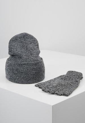 SET SKATER BEANIE AND FINGERLESS GLOVES SET - Fingervantar - grey
