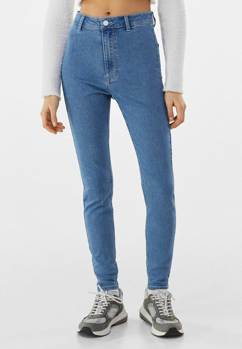Bershka - SUPER HIGH WAIST - Slim fit jeans - blue denim