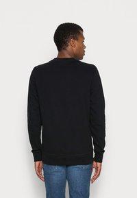 Calvin Klein - LOGO EMBROIDERY - Collegepaita - black - 2