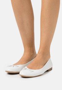 Tamaris - Ballet pumps - white - 0
