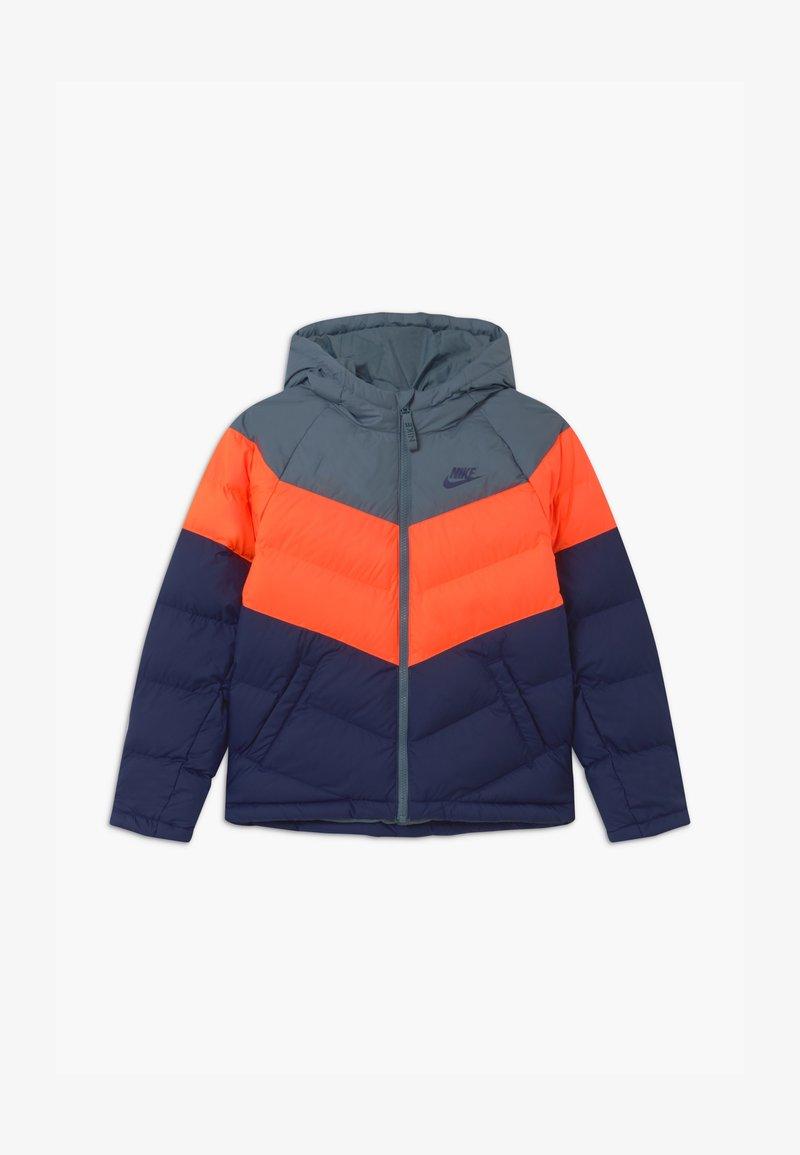 Nike Sportswear - UNISEX - Chaqueta de invierno - ozone blue/hyper crimson/midnight navy