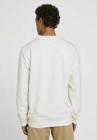TOM TAILOR DENIM - Sweatshirt - soft light beige - 2