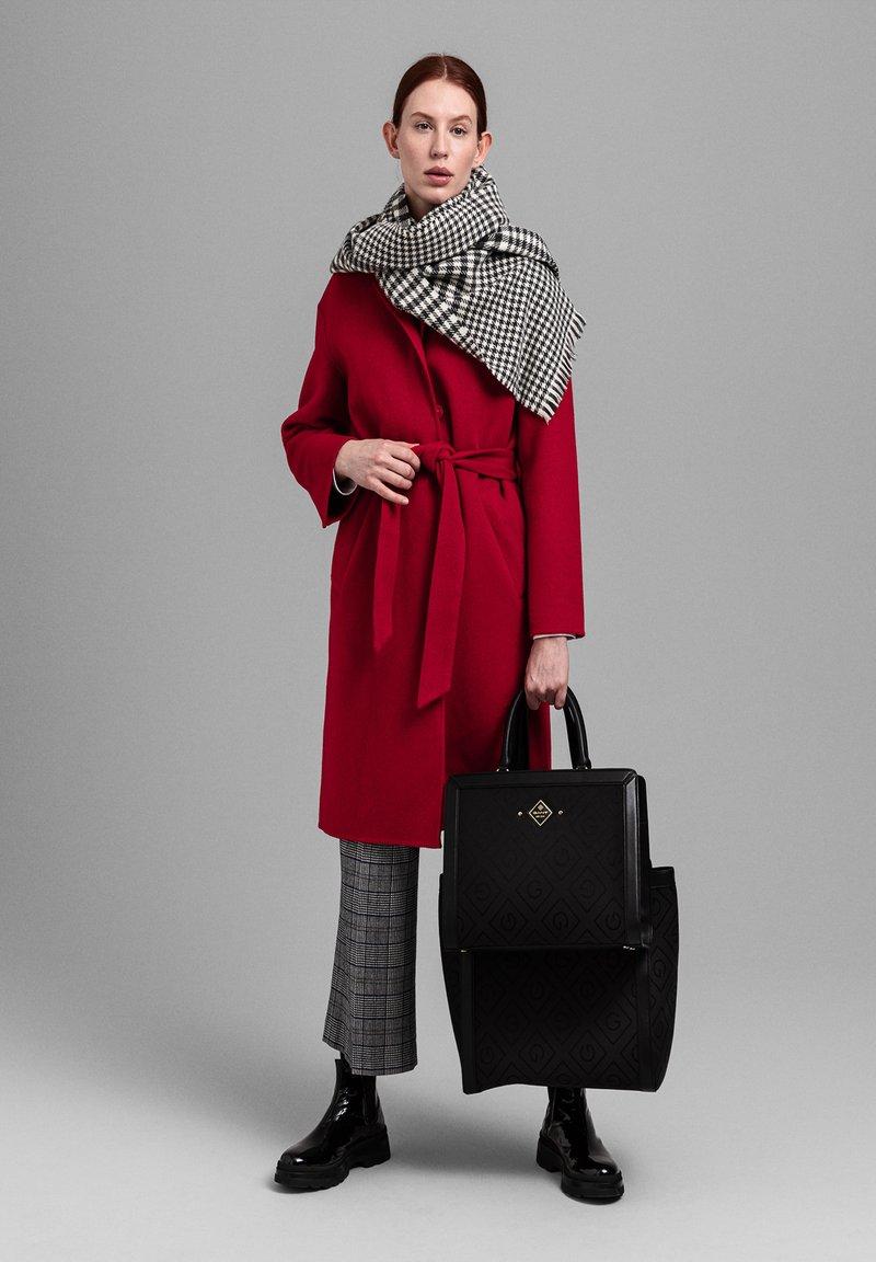 GANT - Classic coat - red