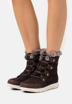 EXPLORER JOAN - Botas para la nieve - brown