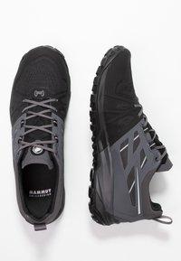 Mammut - SAENTIS LOW MEN - Hikingsko - black/dark titanium - 1
