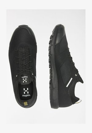 L.I.M LOW - Hiking shoes - true black